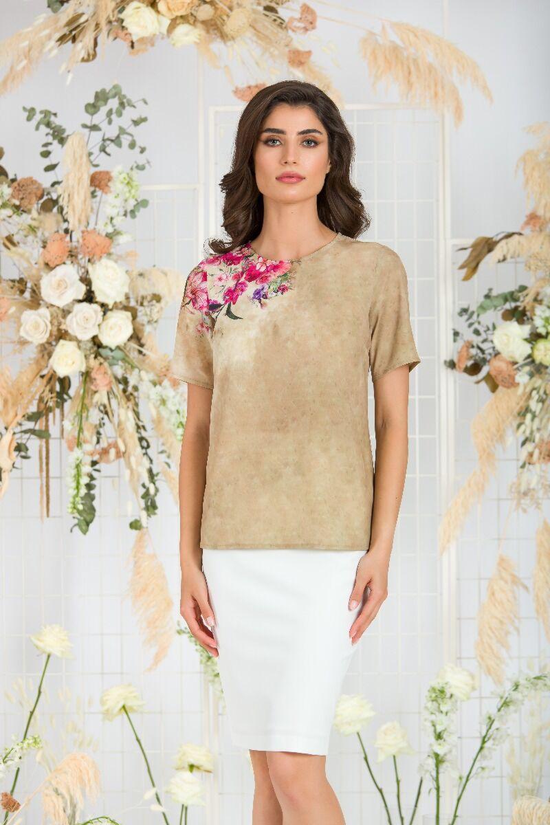 Bluza bej de vara cu maneca scurta si imprimeu floral CMD760