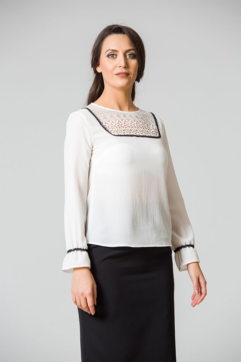 Bluza eleganta cu dantela DM101