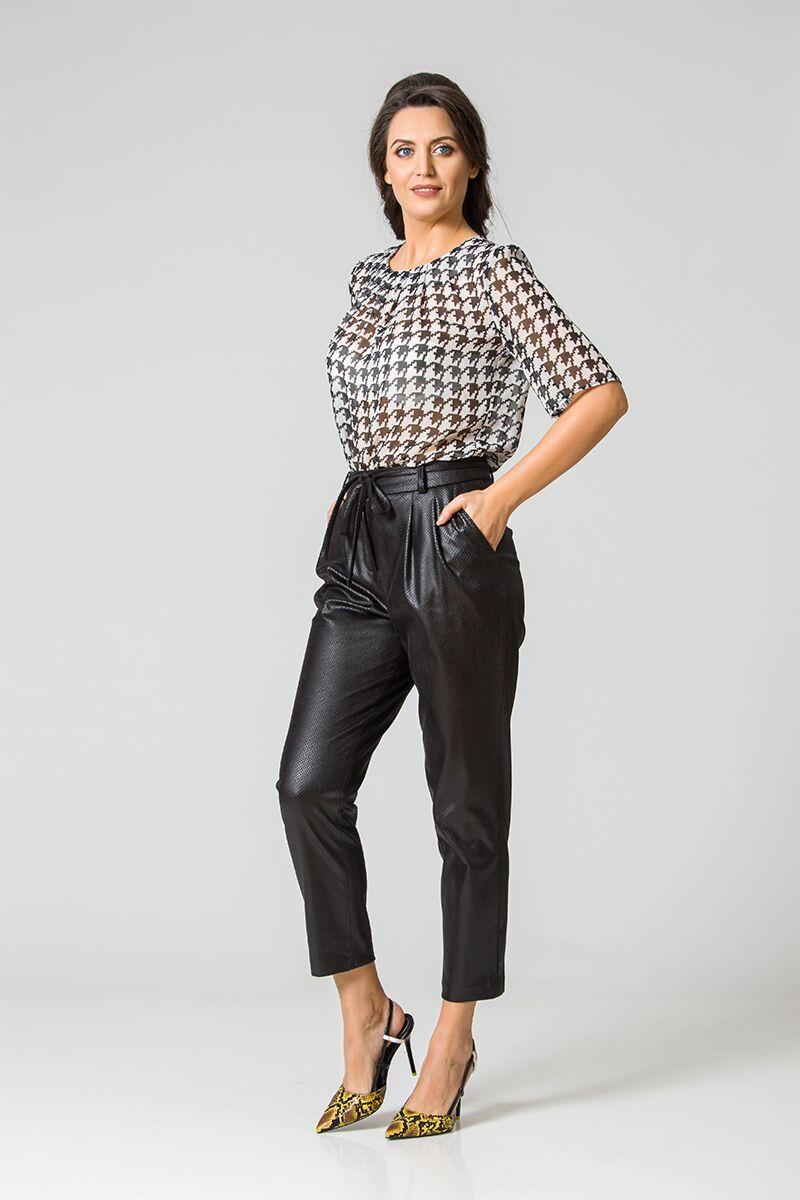 Pantaloni casual din piele ecologica cu plii DP158
