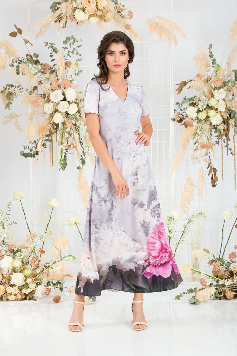 Rochita DAMES  de vara, lunga in nuante de roz si gri cu buzunareimprimata digital cu model floral.